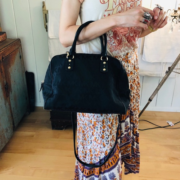 Michael Kors Handbags - ♥️ Michael Kors ♥️ Black Handbag
